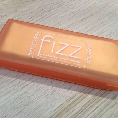 Boîtes de pansements, offertes par le Club Fizz d'Epernon lors d'un tournoi de boxe
